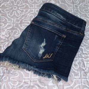 Express jeans shorts size 6.